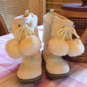 Gap Toddler pom-pom Boots